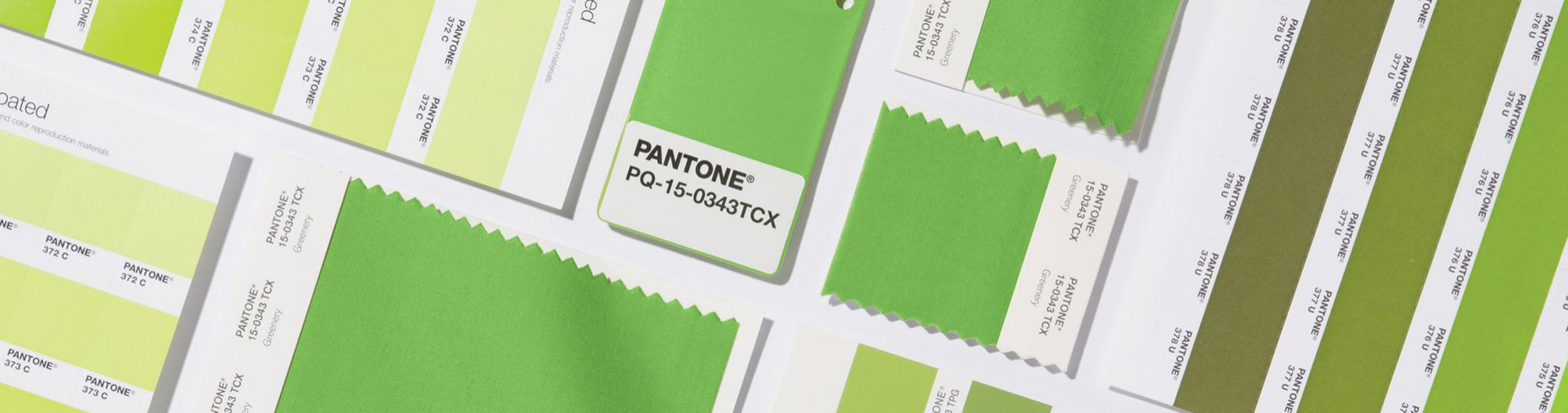 Go Green: How to Wear the Pantone Color of 2017
